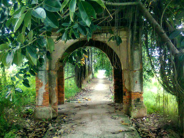 Cổng làng cổ Phong Nam - Du lịch Đà Nẵng