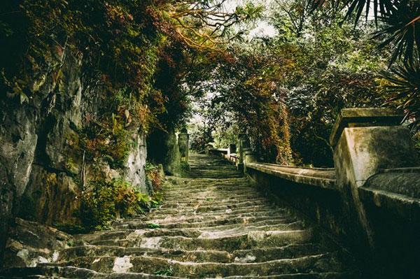 đường dốc lên chùa
