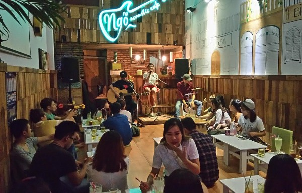thu-gian-voi-10-quan-cafe-acoustic-chat-nhat-da-thanh-p1-1
