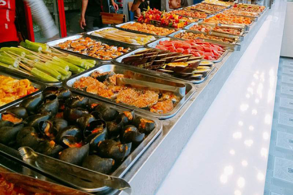 top-5-dia-chi-an-buffet-hut-khach-nhat-da-thanh-4